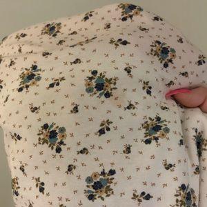 Vintage Tops - Cream Floral Turtleneck